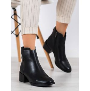 FILIPPO DBT1549/20B Trendy černé dámské kotníčkové boty na plochém podpatku - EU 36