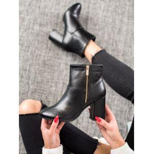 TINACO 7755NE Výborné černé kotníčkové boty dámské na širokém podpatku - EU 35